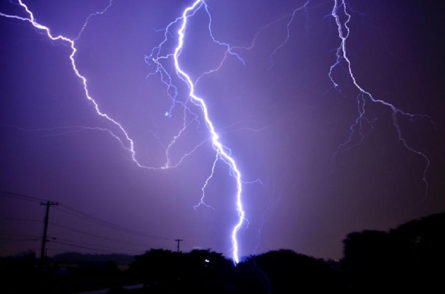 グランピングテントは台風に弱い!被害事例と対処法を徹底解説