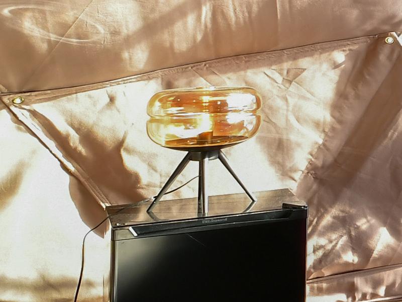 三脚テーブルスタンドランプ-02