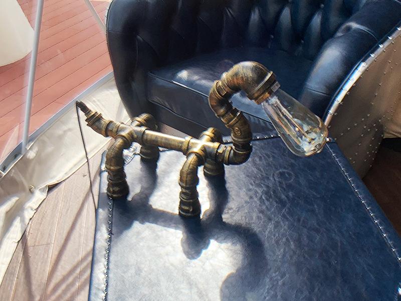 インダストリアルテーブルランプ